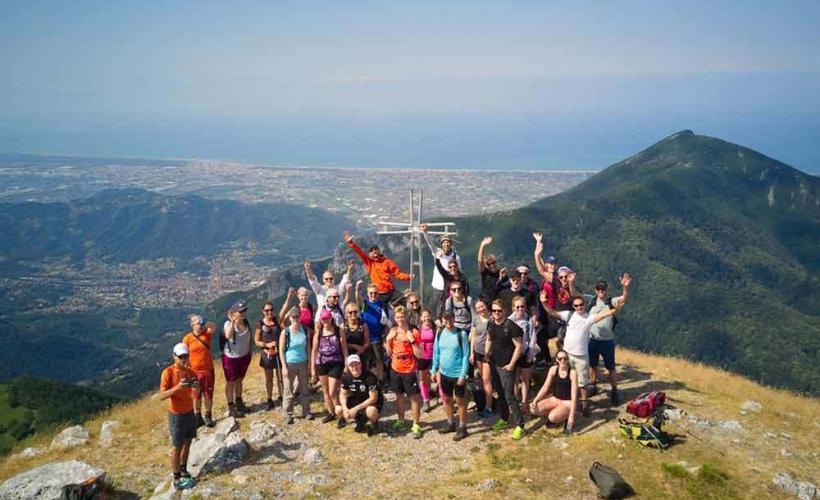 Toppbild från de Apuanska Alperna vid Cinque Terre