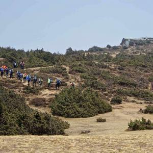 Vandring mot viloplats på väg mot Everest Base Camp