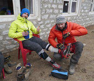 Swetts guider gör det lilla extra för att vandringen mot Everest Base Camp ska bli njutsam
