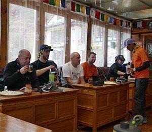 Vi från Swett ser till att ni äter god mat i vandringen mot Everest Base Camp