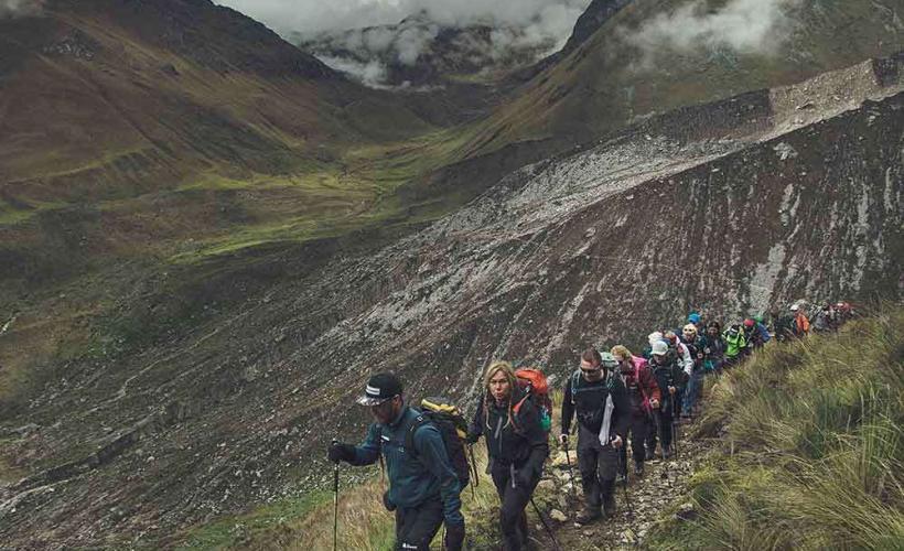 Vi vandrar i ett lugnt tempo på Inkaleden för en sund acklimatisering