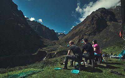 Vi vandrar i lugnt tempo på Inkaleden och låter våra deltagare acklimatisera sig