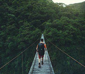 Vågar du vandra över denna hängbro längst Inkaleden?