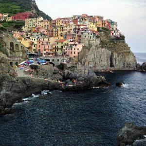 Besök vattenfronten byn under Cinque Terre vandring