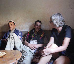 Konversation med berber i Imlil, Atlasbergen