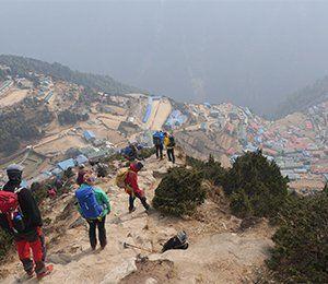 Vi stannar i den färgglada staden Namche Bazaar på vår väg mot Everest Base Camp