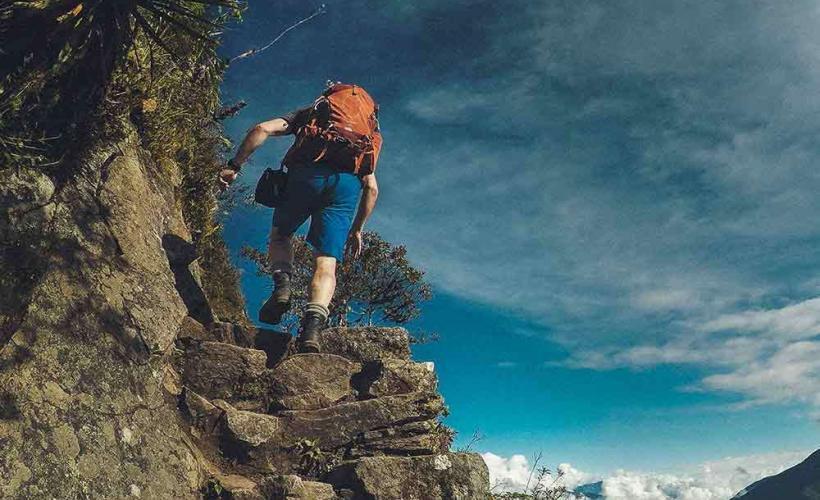 Vandring uppför en trappa på Inkaleden