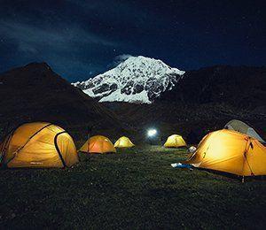 Vi spenderar flera nätter i tält under vår vandring på Inkaleden