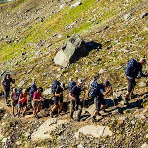 Vandringen börjar uppåt Sveriges högsta berg, Kebnekaise