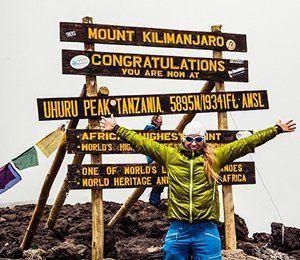 Det är en fantastisk känsla att ha nått slutmålet, toppen av Kilimanjaro
