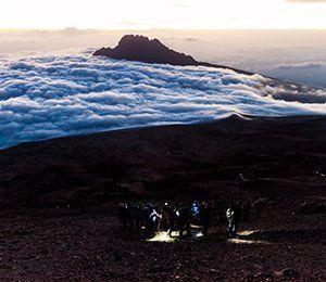 Kilimanjaro är världens högsta ensamstående berg på 5895 meter över havet