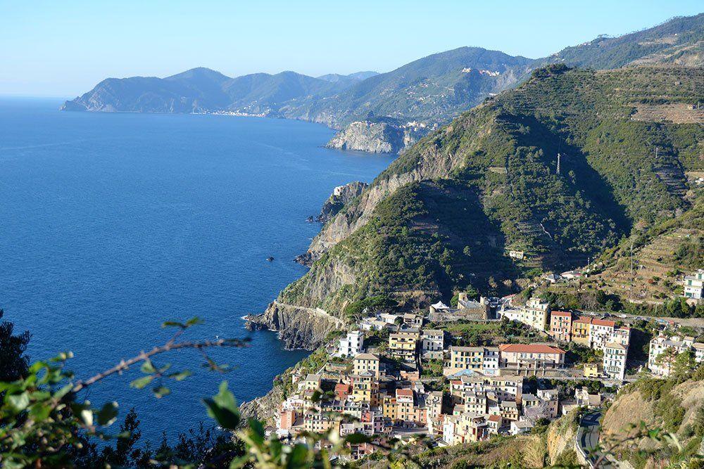 Utforska den vackra kusten av Cinque Terre med Swett