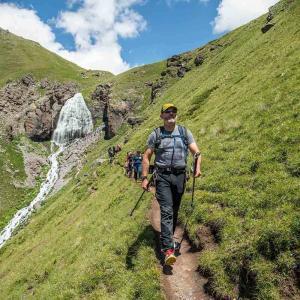 Vandring i vacker natur mot Elbrus