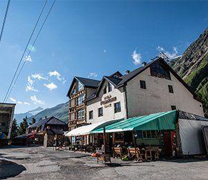 Hotellet i Terskol där vår resa mot Elbrus börjar