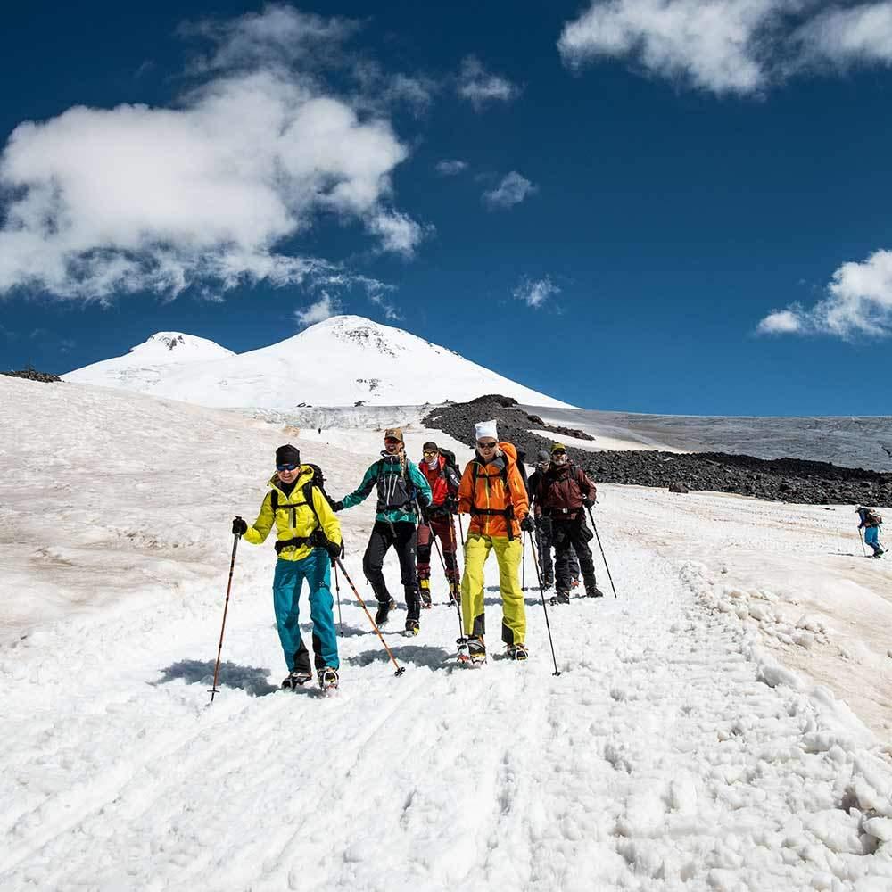 Utforska området runt Elbrus