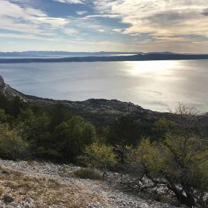 Utsikt över Adratiska Havet i Kroatien