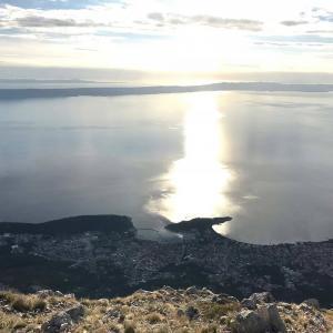Utsikt från Sveti Jure mot Adratiska havet i Kroatien