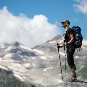 Blickar ut över den magiska natur som omringar Elbrus